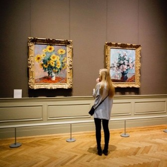 Host your next charity auction in an art museum.