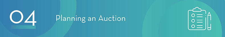 What are the steps for planning a live auction?