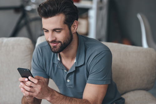 text-to-give-man-on-phone