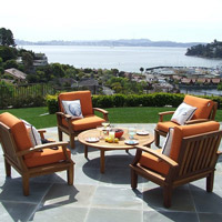 An outdoor furniture set is a great item to offer at your next live auction.