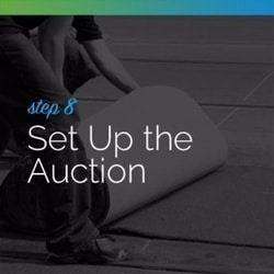 Set up the live auction on the big day with the help of your team.
