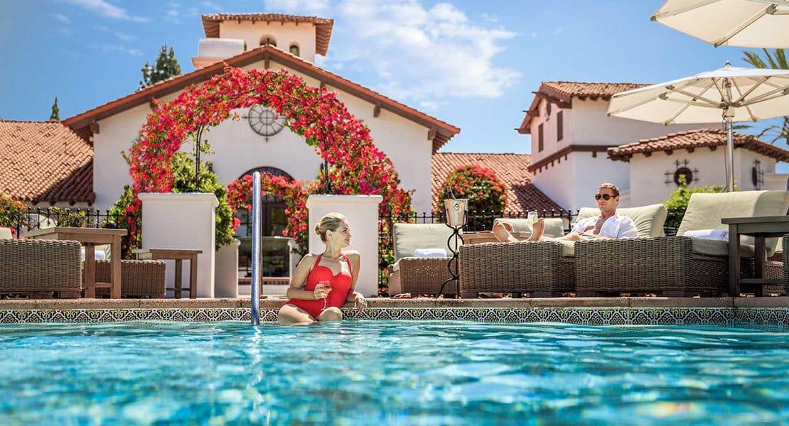 PIC-Couple-in-pool.jpg