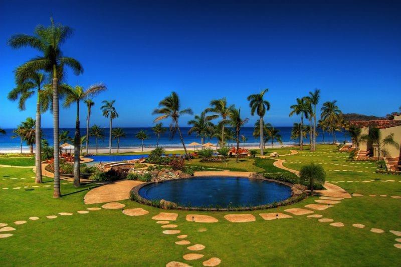 Luxury Resort Living in Brilliant Costa Rica for 4